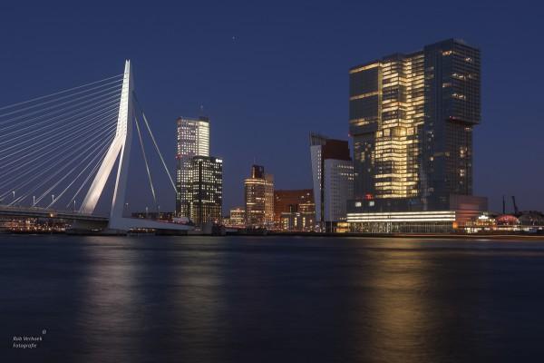 Rob Verhoek Fotogafie, avondgezicht op de kop van zuid Rotterdam