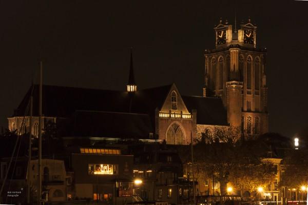Rob Verhoek Fotografie, grote kerk dordrecht bij nacht